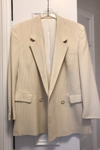 Pure wool double breasted men's jacket, size 44 Toronto, M2H