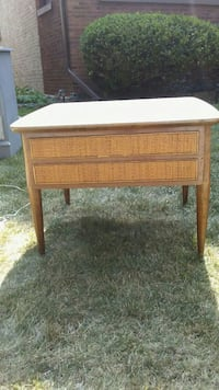 Mid Century Coffee/EndTable Chicago, 60634