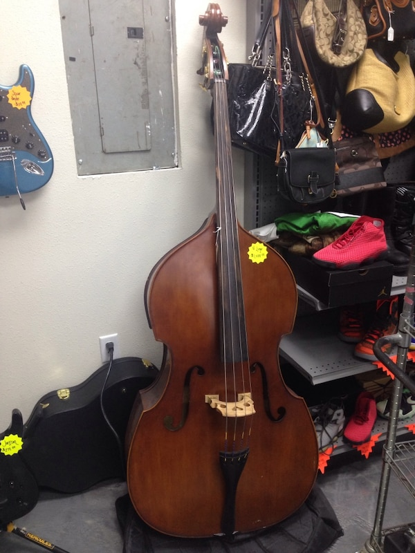 used h luger stand up bass for sale in cocoa letgo. Black Bedroom Furniture Sets. Home Design Ideas
