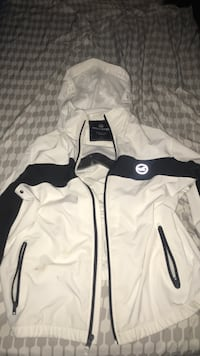 White and black zip up hollister jacket Sulphur, 70663