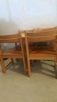 Kids table set with 4 chairs Alexandria, 22304