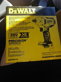 DeWalt 1/2 mid-range impact wrench with detent pin anvil Kent