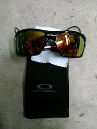 black framed Ray-Ban sunglasses Cookeville, 38501