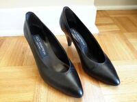 Ladies shoes  null
