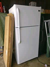 white top-mount refrigerator West Covina, 91790