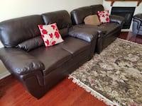 black leather 3-seat sofa Brampton, L6R 1K5