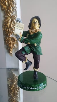 Wizard Of Oz Scarecrow Figurine  Surrey, V4N 2B7