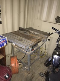 Brown and gray table saw