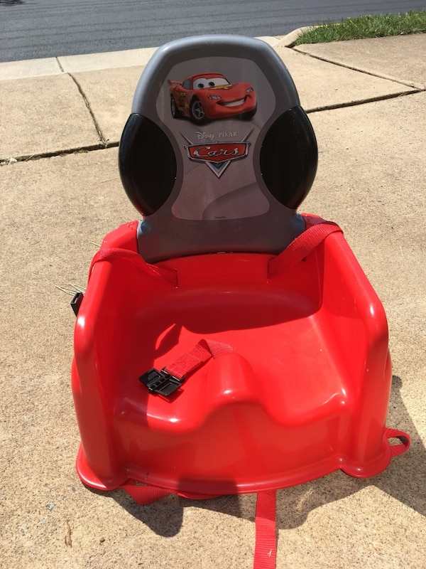 red Cars potty trainer 5144b8a7-9bc8-48bd-9e1d-a08aad56601e