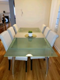 Dining table beautiful  Vaughan, L6A 0W2