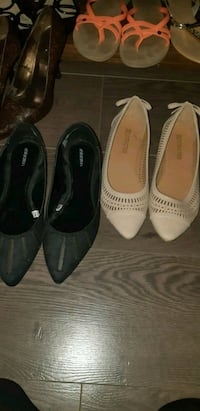 2 pairs flats size 9. Like new condition Langley, V2Y 1R5