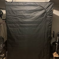 Grow tent 5X5 with lights Tigard, 97223