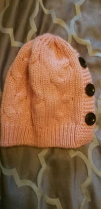 brown and white knitted sweater Surrey, V3W