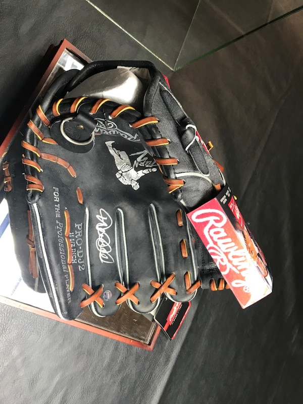 0bd2e7cc28a7 Used Derek Jeter Signed Rawlings Glove New York Yankees for sale in Forked  River