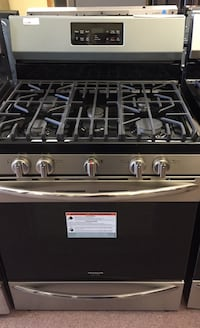 Whirlpool Smart 5 Burner convection Gas Stove  Richland, 39218