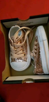 rose gold glittery converse tennis shoes Dallas, 75203
