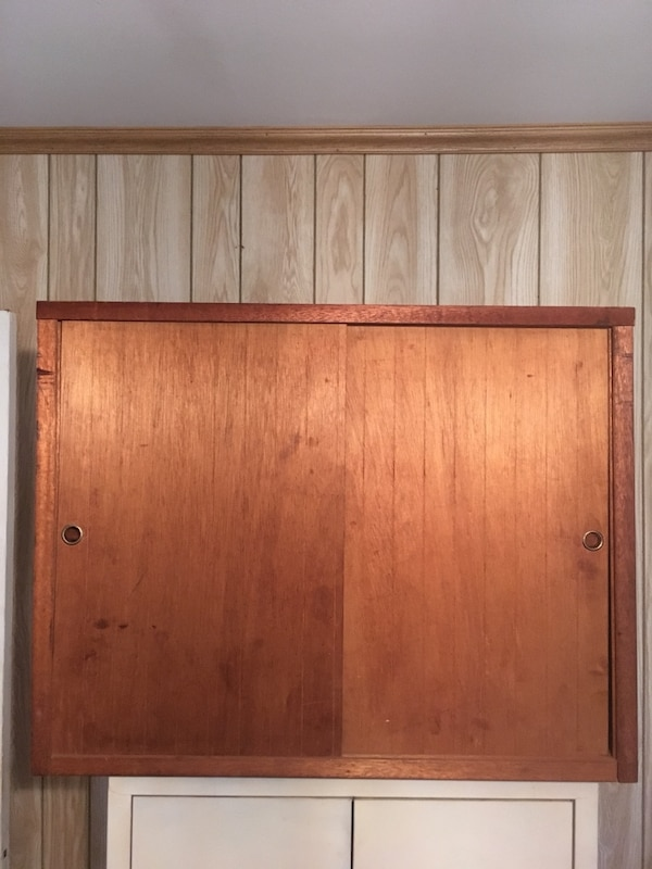 Used Cabinet With Sliding Doors 29 Long 11 1 2 Deep 22 3 4 Located In Smyrna For Letgo