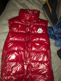 Red moncler vest Whitby, L1M