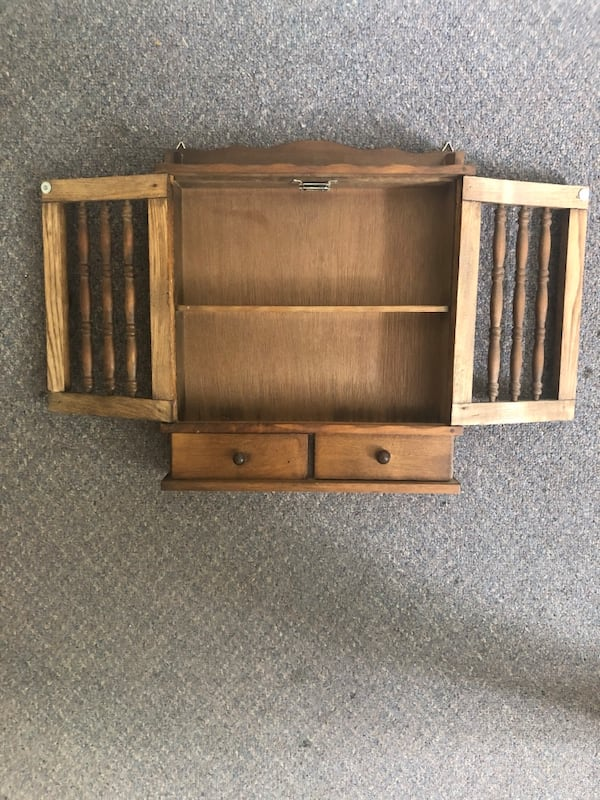 Miniature wall shelf 339b90b4-f6ba-4a12-a41d-cda0c5d08121