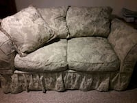 gray and white floral loveseat Kissimmee, 34746
