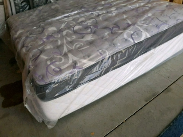 Luxury plush king mattress. Pocket coil. Delivery