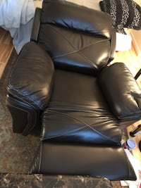 Black leather padded rolling armchair Rockville