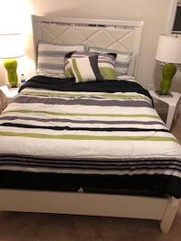 Full size bed set