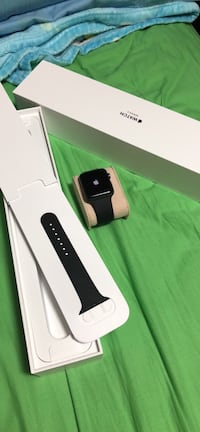 iwatch series 3 slightly used good as new Vancouver, V5P 3R6