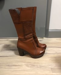 Brown leather boots Waterloo, N2L 3V2