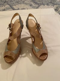 Coach heels beige and light blue sz 8
