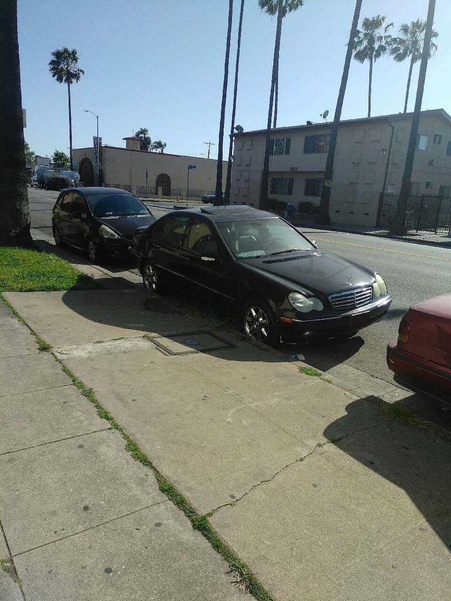 Used black mercedes benz sedan in los angeles for Mercedes benz parts los angeles