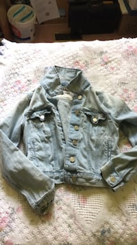 gray button-up jacket Kingston, K7L 0C3
