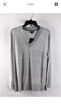 NWT Tommy Hilfiger women's gray and white striped v-neck sweater sz M Toronto, M9W 1J1