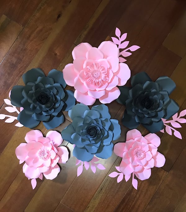 Paper flowers grey and light pink colour. 090be35b-0f74-4a19-9000-e7ac0f3cdef1