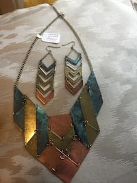 Blue and gold steel collar necklace Kelowna, V1Y 0E7