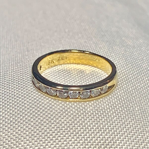 Genuine 18k Gold Diamond Wedding Band Ring ee161bf1-8acc-4cd0-a6a4-df05f28f1dbb