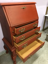 brown wooden 5-drawer chest Oxon Hill, 20745