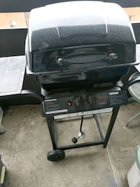 black Char-Broil gas grill