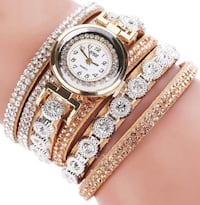 round gold analog watch with gold link bracelet North Chesterfield, 23234
