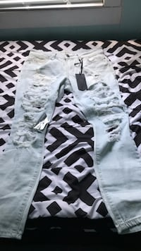 white and black camouflage pants Des Moines, 50316