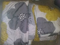 2 twin comforters Sioux Falls, 57104