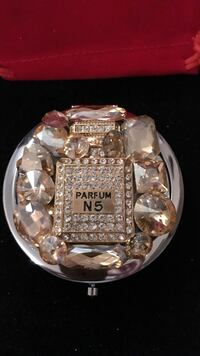 Gorgeous Perfume Crystal Design Compact Mirror Gainesville, 20155