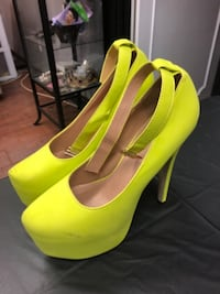 Neon green pumps TORONTO