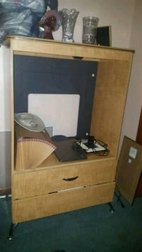 brown wooden TV rack Youngstown, 44514