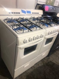 """20"""" gas stove working perfectly Baltimore, 21223"""