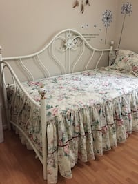 white and pink floral bed sheet Woodbridge, 22191