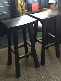 2 BAR STOOLS SOLID WOOD null