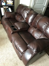 Reclining leather love seat Germantown, 20874