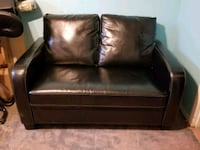 Couch with pull out bed.  In excellent condition  Richland, 99352