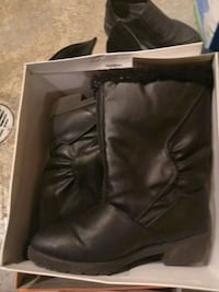 Ladies boots with zipper  Toronto, M9R 3Z5